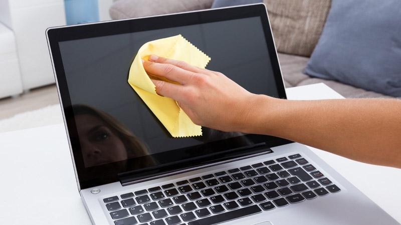 hướng dẫn cách vệ sinh màn hình